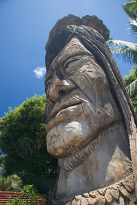 hawaiian statue