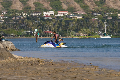 Hawaii Kai-Sailboats-Paddeling