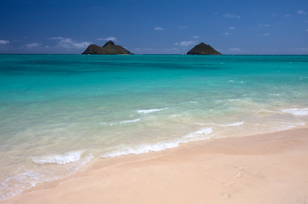 Another shot from Lanikai Beach looking towards the Mokulua Islands. It's pretty easy to see why this beach is consistently rated as one of the world's best.