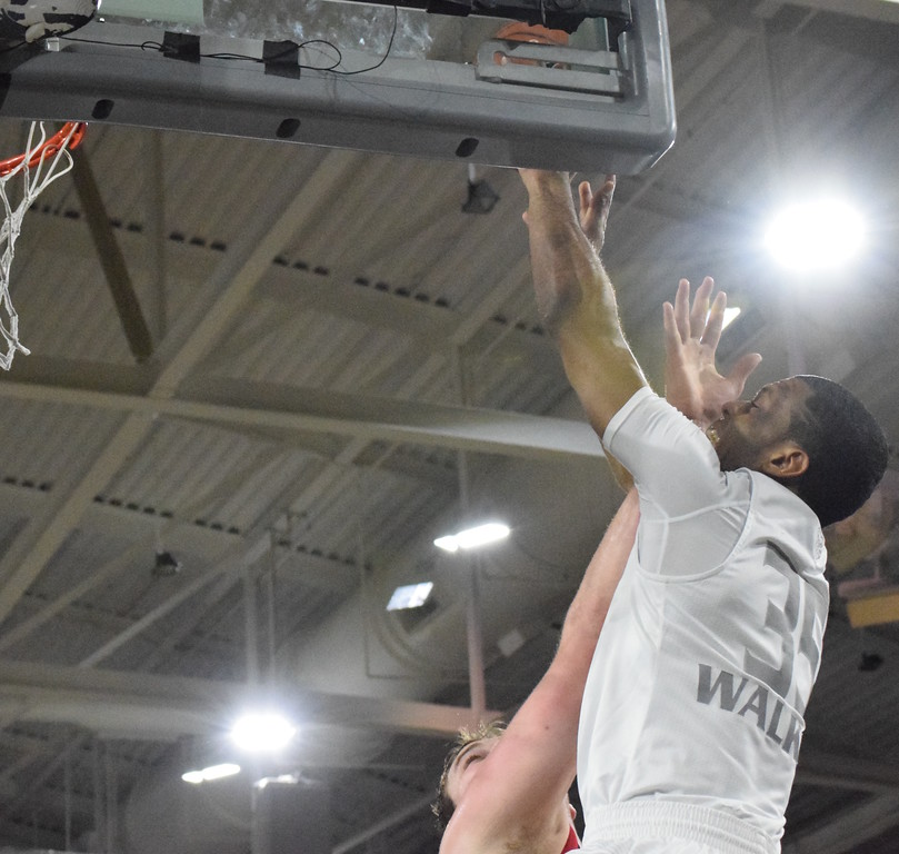 . Oakland University remained a game out of first place in the Horizon League with a 101-72 win over Youngstown State at the Athletics Center O\'rena on Tuesday, Feb. 21, 2017. After the game, Oakland honored senior Sherron Dorsey-Walker. (Matthew B. Mowery/The Oakland Press)