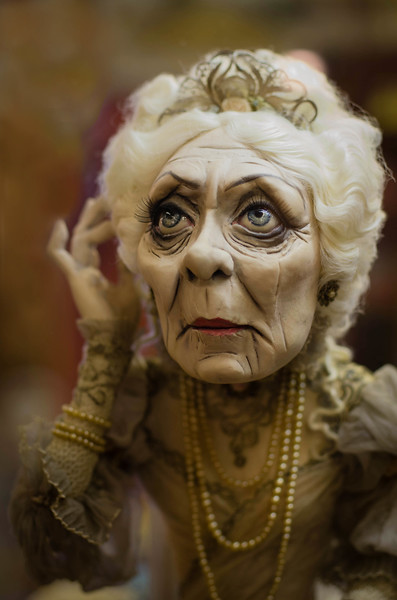 Miss Havisham.  Sculpture by Dustin Poche.