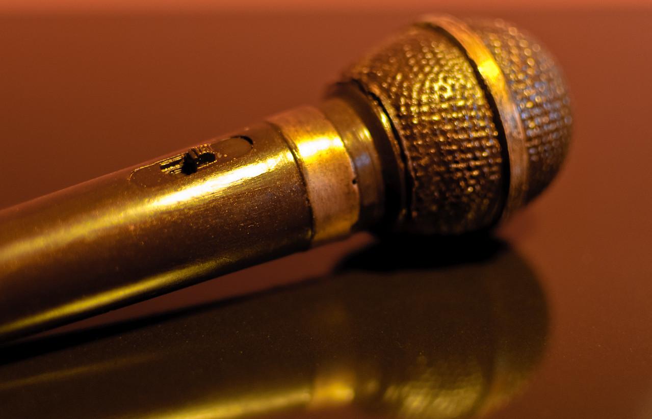 Chocolate microphone