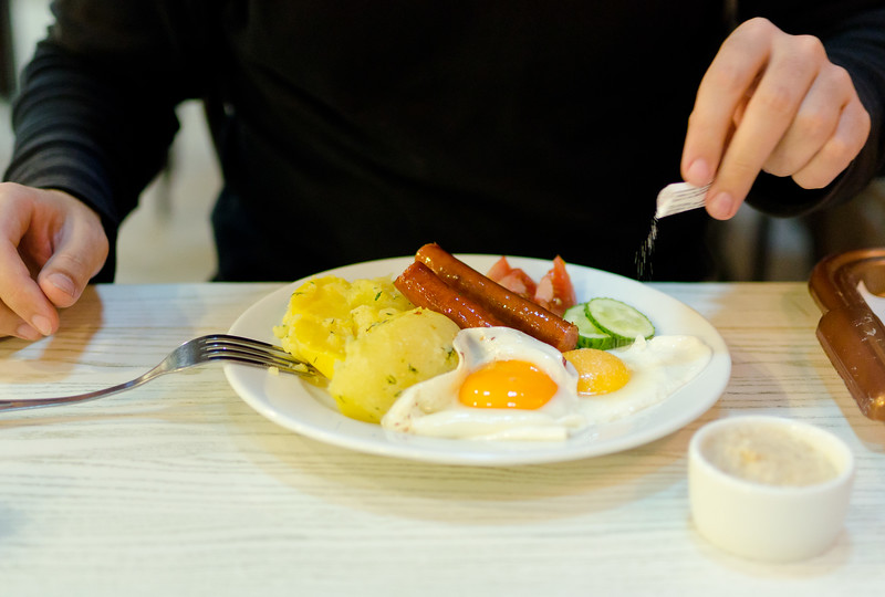 Eggs and sausages (D5100 test)
