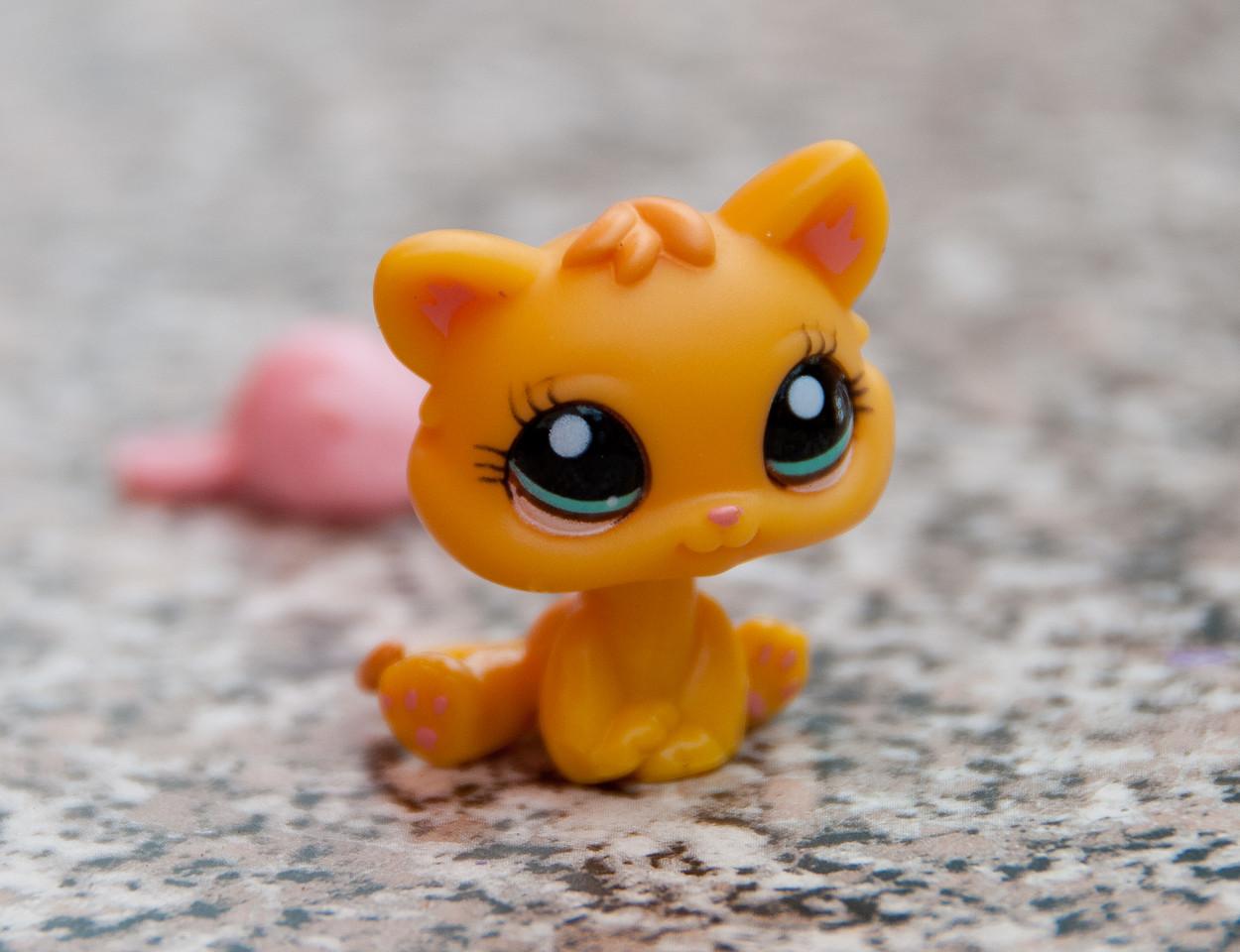 Cat from Littlest Pet Shop