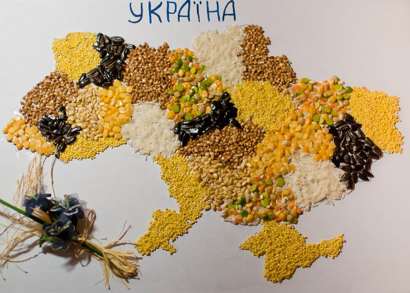 Map of Ukraine, made of grains