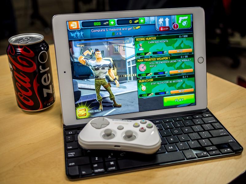 Stratus and Keyboard for iPad