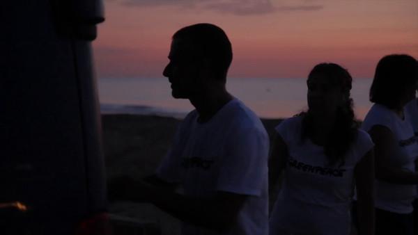 Vídeo en bruto sobre la limpieza de la playa