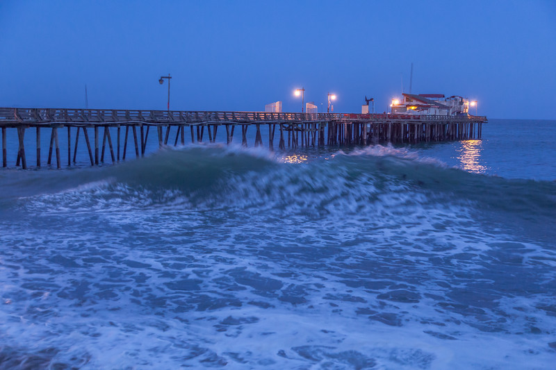 Large Wave at the Pier