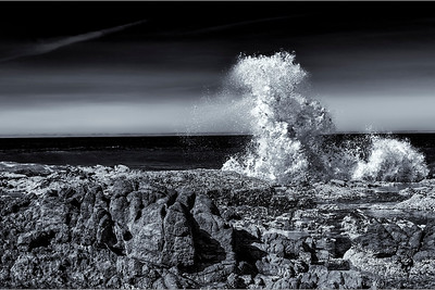 Wave Explosion Black and White