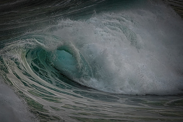 Wave tunnel blue