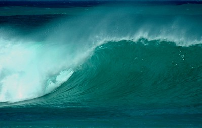 Winter Waves at Pipeline  North Shore of O'ahu Hawai'i