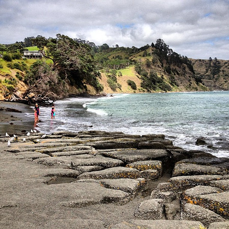 Chill: Leaving the stony beaches of north Northland behind #newzealand