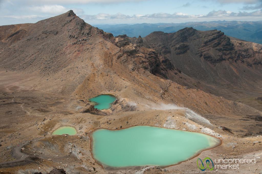 Emerald Lakes at Tongariro Crossing - New Zealand
