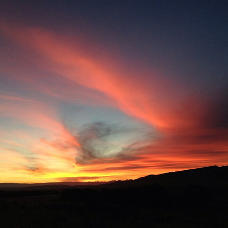 Road trip New Zealand takes us to Otago Central Valley where the sunsets need #nofilter