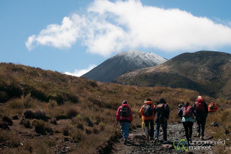 Trek up to Tongariro Crossing - New Zealand