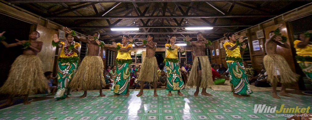 Fijian dance in Naselesele