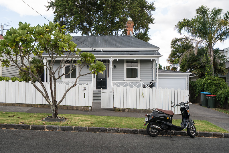 Some typical houses in our Auckland neighborhood of cox's bay. It is a mix of old and new.
