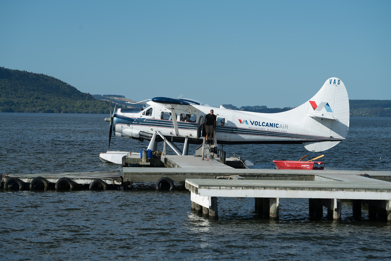 A Volcanic Air De Havilland DHC-3 Otter, Lake Rotorua.