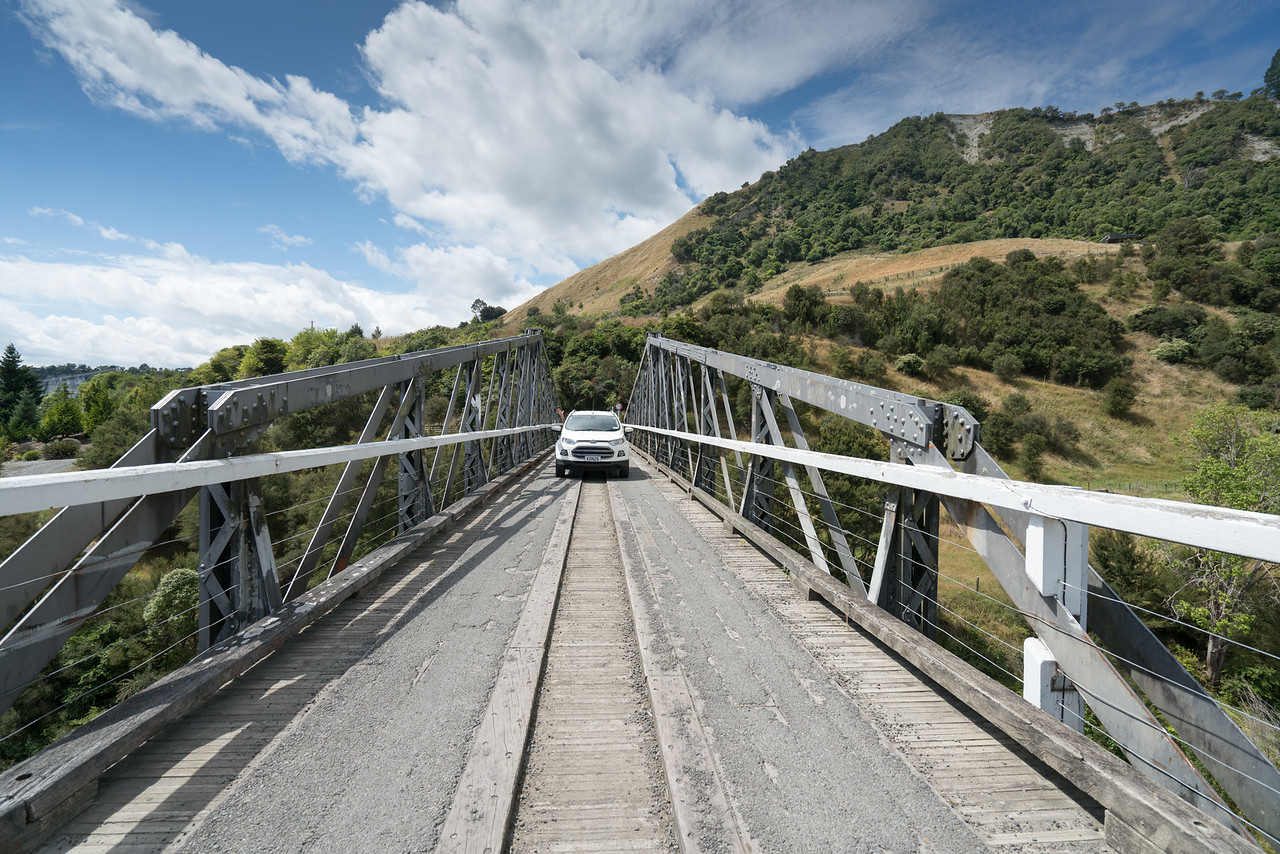Ruahine Road bridge over the Tangitikei River.