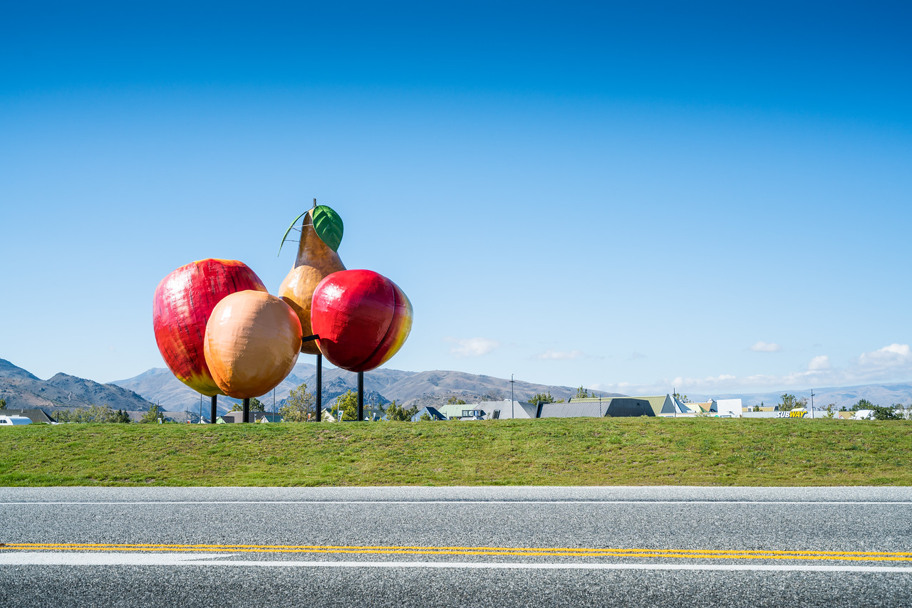 New Zealand, like the US, has its share of cheesy roadside attractions. This is the Cromwell Big Fruit. The idea was to attract people from the nearby highway.
