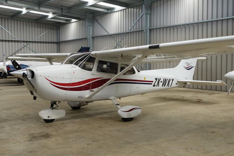 ZK-WKT Cessna 172S c/n 172S-8647 Auckland-North Shore/NZNE 06-02-15