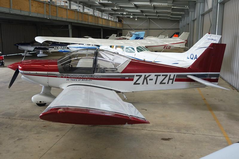 ZK-TZH Robin R.2120U c/n 356 Auckland-North Shore/NZNE 06-02-15