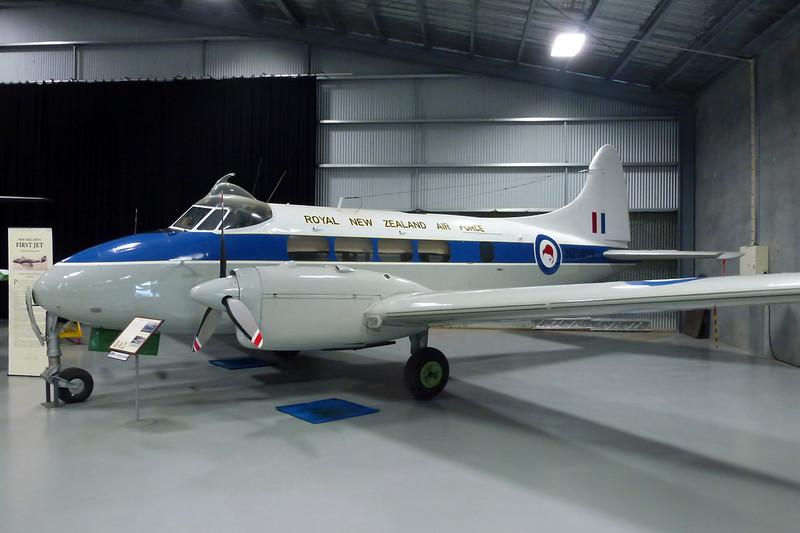 "NZ1829 de Havilland DH-104 Devon C1 ""Royal New Zealand Air Force"" c/n 04427 Ashburton/NZAS 11-04-12"