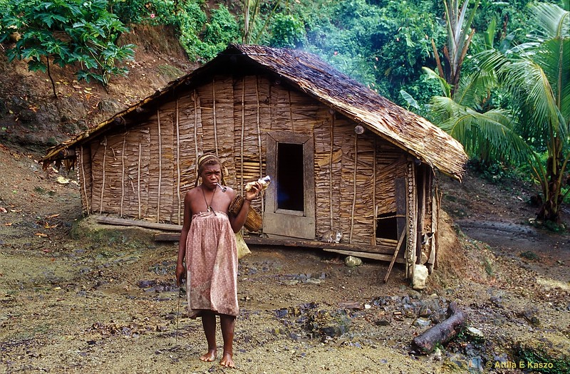 Kwailalae Woman<br /> Kwailalae Village, Malaita, Solomon Is.