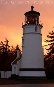 Umpqua Lighthouse Sunrise Winchester Bay, Oregon 0912O-LU1
