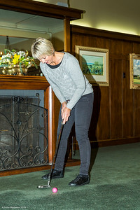 20181001 Susan putting  at RWGC _JM_5375