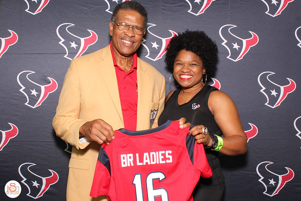 Texans Battle Red Ladies - Singles