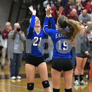 10/26/2017 Mike Orazzi | Staff Bristol Eastern's Aliana Rivoira (21) and Amber Blais (19) during Thursday night's volleyball match at BC.