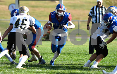 10/28/2017 Mike Orazzi   Staff St. Paul's Damien Rabis (21) during Saturday's football game with Woodland.