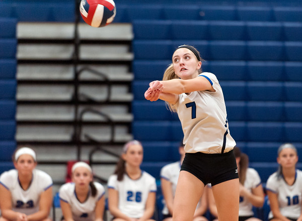 10/23/18 Wesley Bunnell | Staff Southington volleyball defeated Norwich Free Academy 3-0 on Tuesday evening at Southington High School. Haley Larrabee (7).