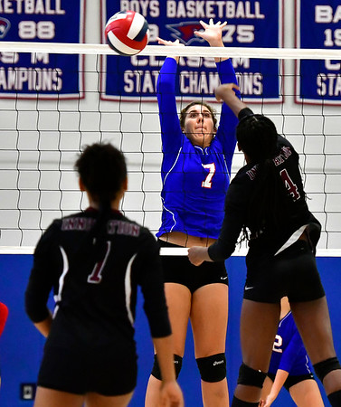 10/24/2018 Mike Orazzi | Staff St. Paul's Rebecca Nerbonne (7) during volleyball Wednesday with Innovation in Bristol.