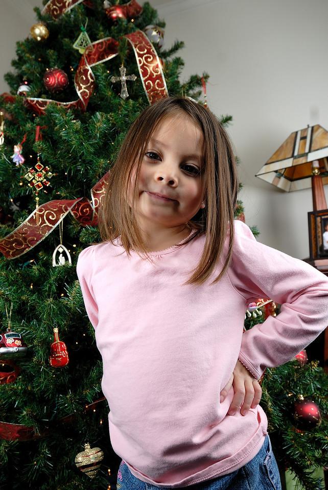 12/13/09 Madeline and the lighting setup