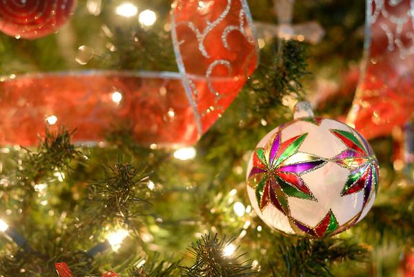 12/9/09 Christmas Tree ornament