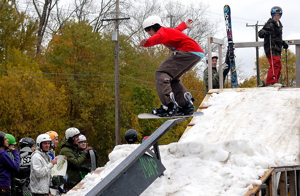 10/24/09 TWC Surf and Sport Rail Jam - Jonas