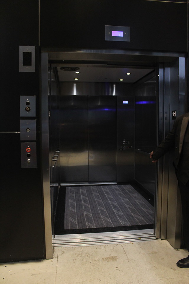 freight elevator for load in from 54th st
