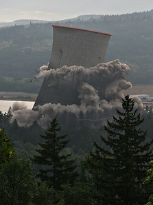 Cooling Tower Implosion 5 (60540186)