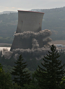 Cooling Tower Implosion 4 (60540185)