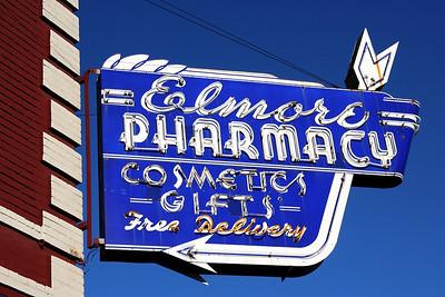 Pharmacy Neon
