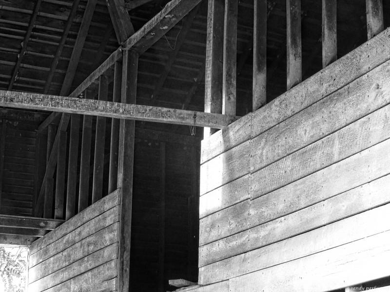 6-11-14: Old barn, Warm Springs Turnpike