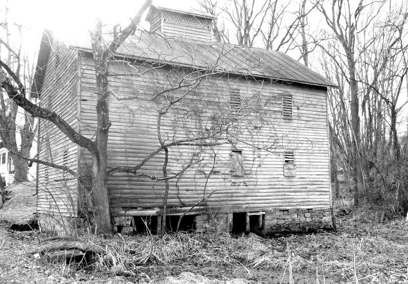12-13-14: Abandoned building, Mt. Solon
