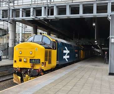 37424 and 37407, Manchester Victoria. 14/06/18.