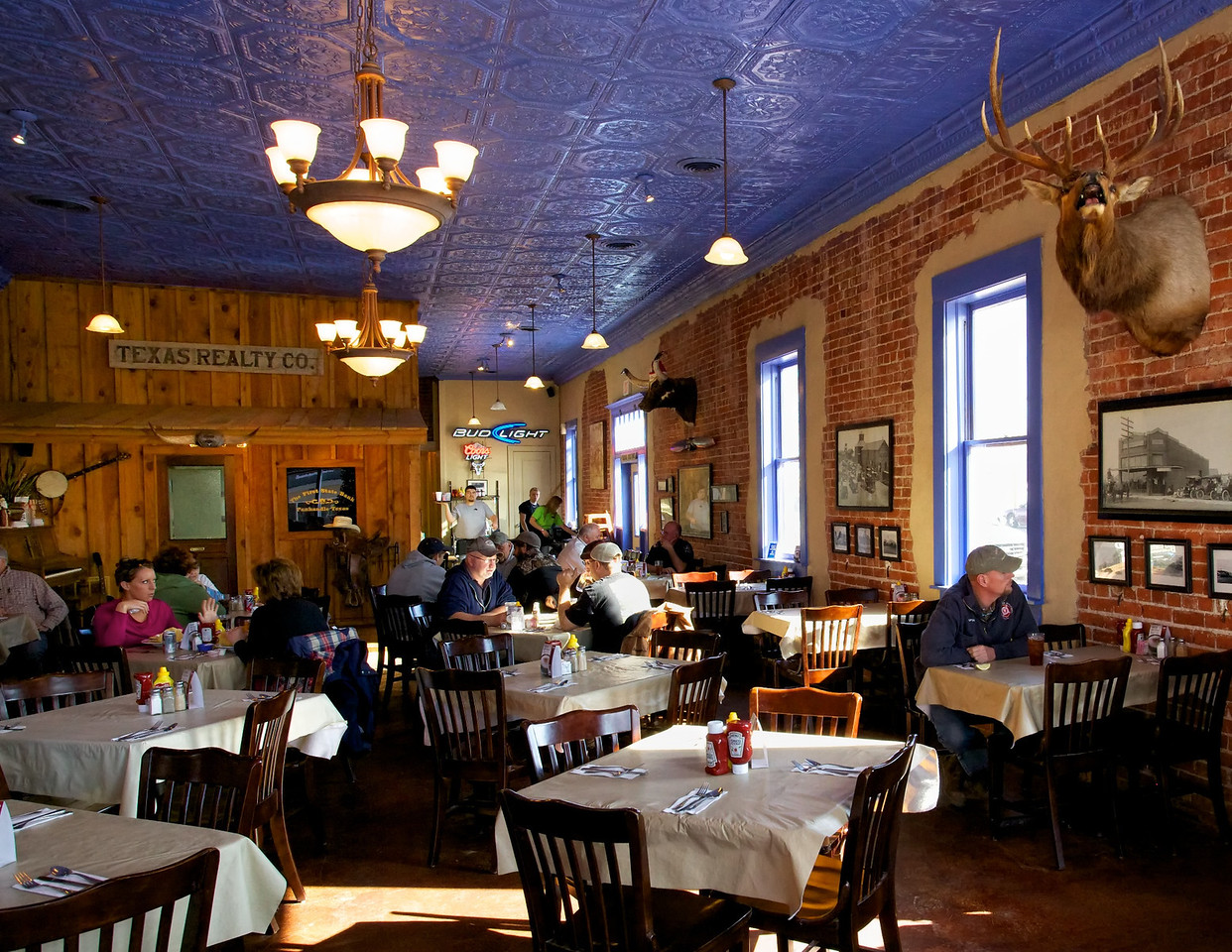 Lunch crowd at the Buffalo Grass Restaurant in Panhandle, Texas.