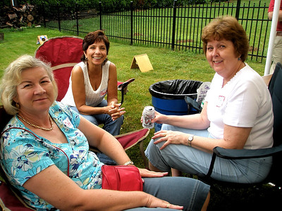 Deb, Gloria and Mary Evelyn hangin' out...  They graciously waited an hour before they started getting in trouble.  Thanks girls...