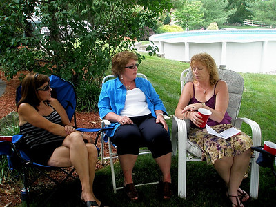 Girl talk!  Shouldn't Barb, Linda and Jodi...Joni, whoever. post a sign warning guys away when they do this?