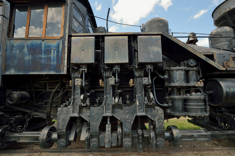 Willamette loco piston and drive shaft arrangement make the loco similar in appearance to the Shay. <br /> <br /> Fort Missoula Historical Centre<br /> <br /> 17  May 2014