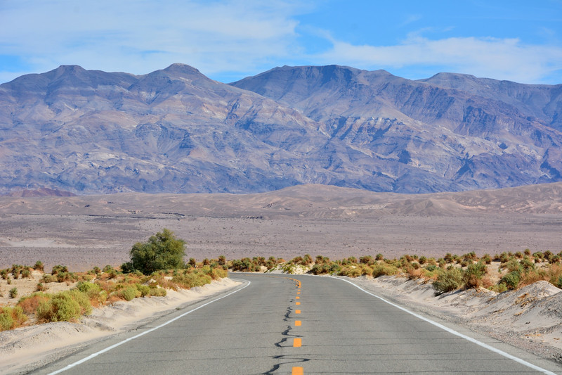 California Highway 190 crossing Death Valley near Stovepipe Wells